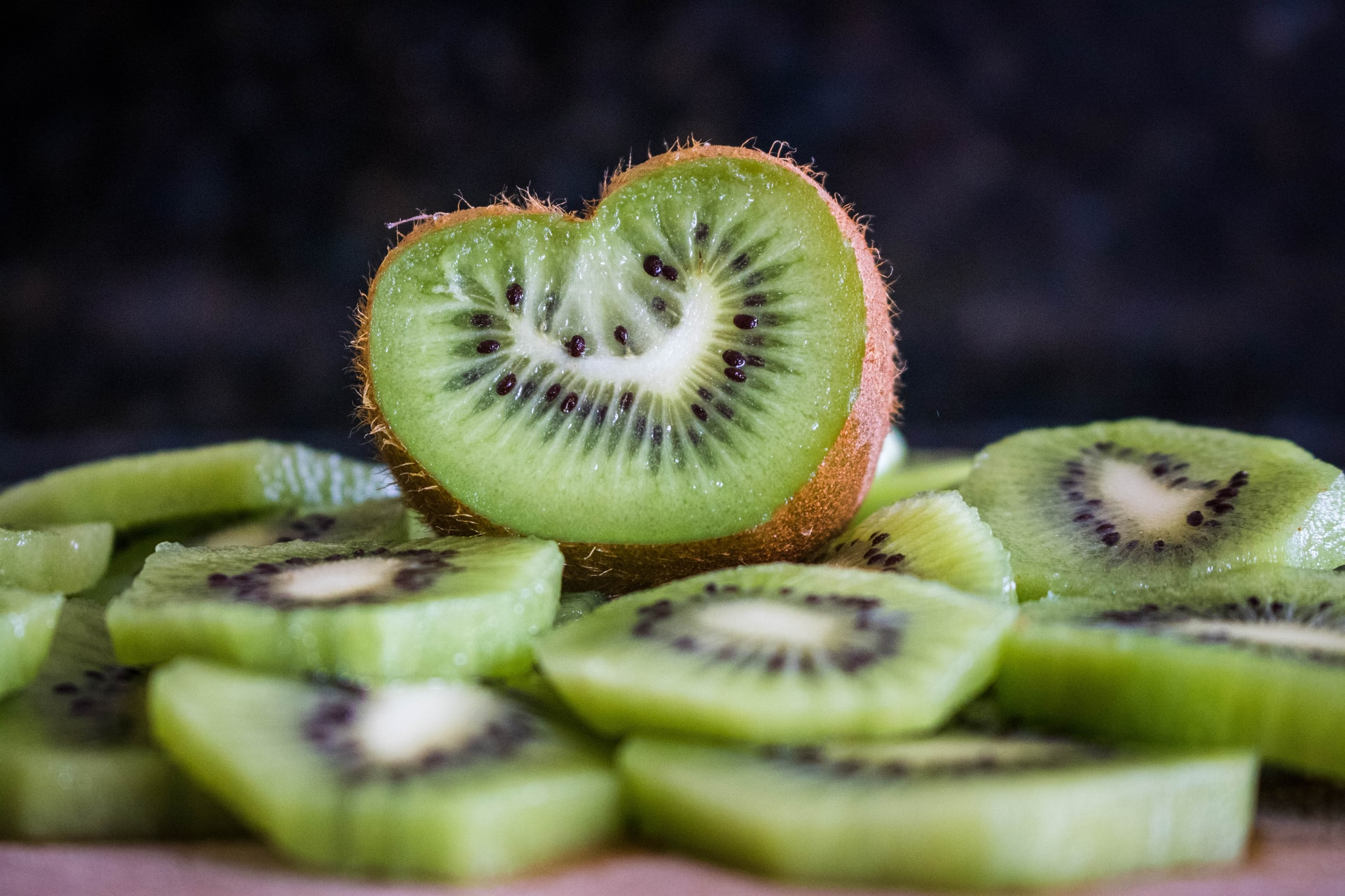 Detoxify the Natural Way with Kiwi and Chia Seed Smoothie