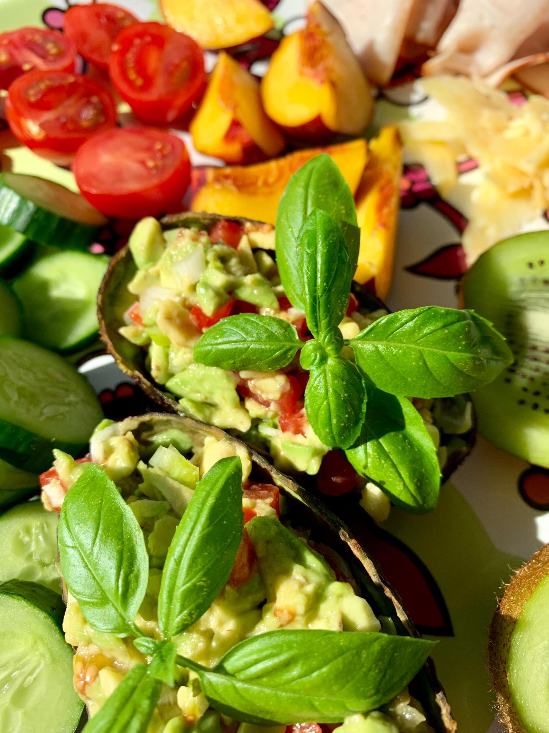 A Healthy Way to Detox: Fresh Guacamole Recipe